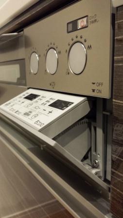 PD-900WV-60GVの操作パネルの中はプラスチック製となっています。