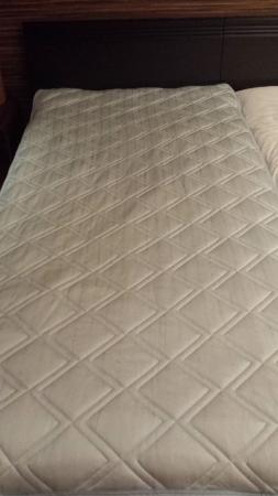 ひんやり冷却マットをベッドに付けました。