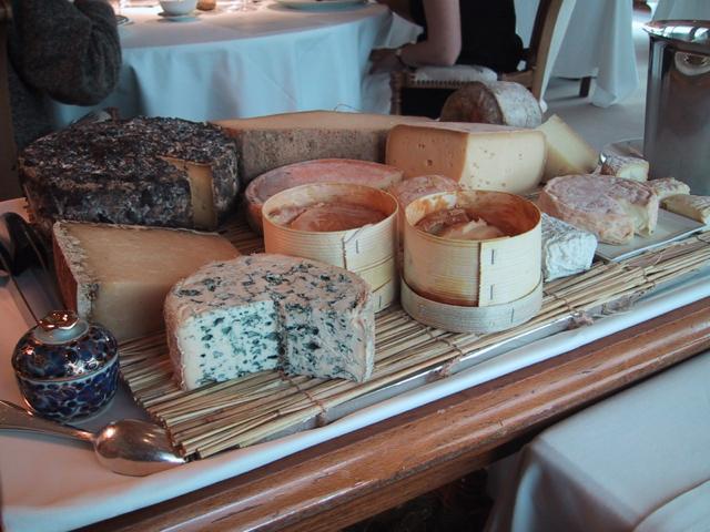 チーズシャリオ