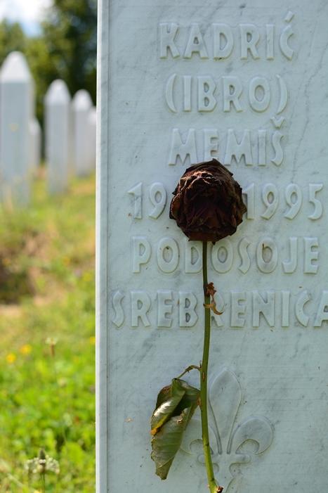 スレブレニツァの慰霊墓地のとあるお墓
