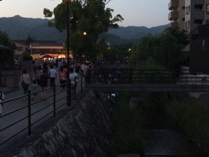 蛍観賞の夕べ (1)