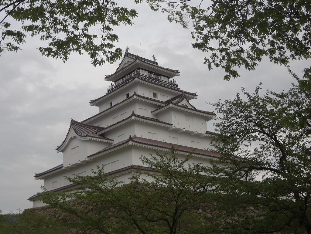 鶴ヶ城全景