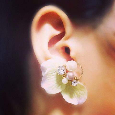 1パステル春の布花ピアス・イヤリング(花びら)(片耳販売)C-1