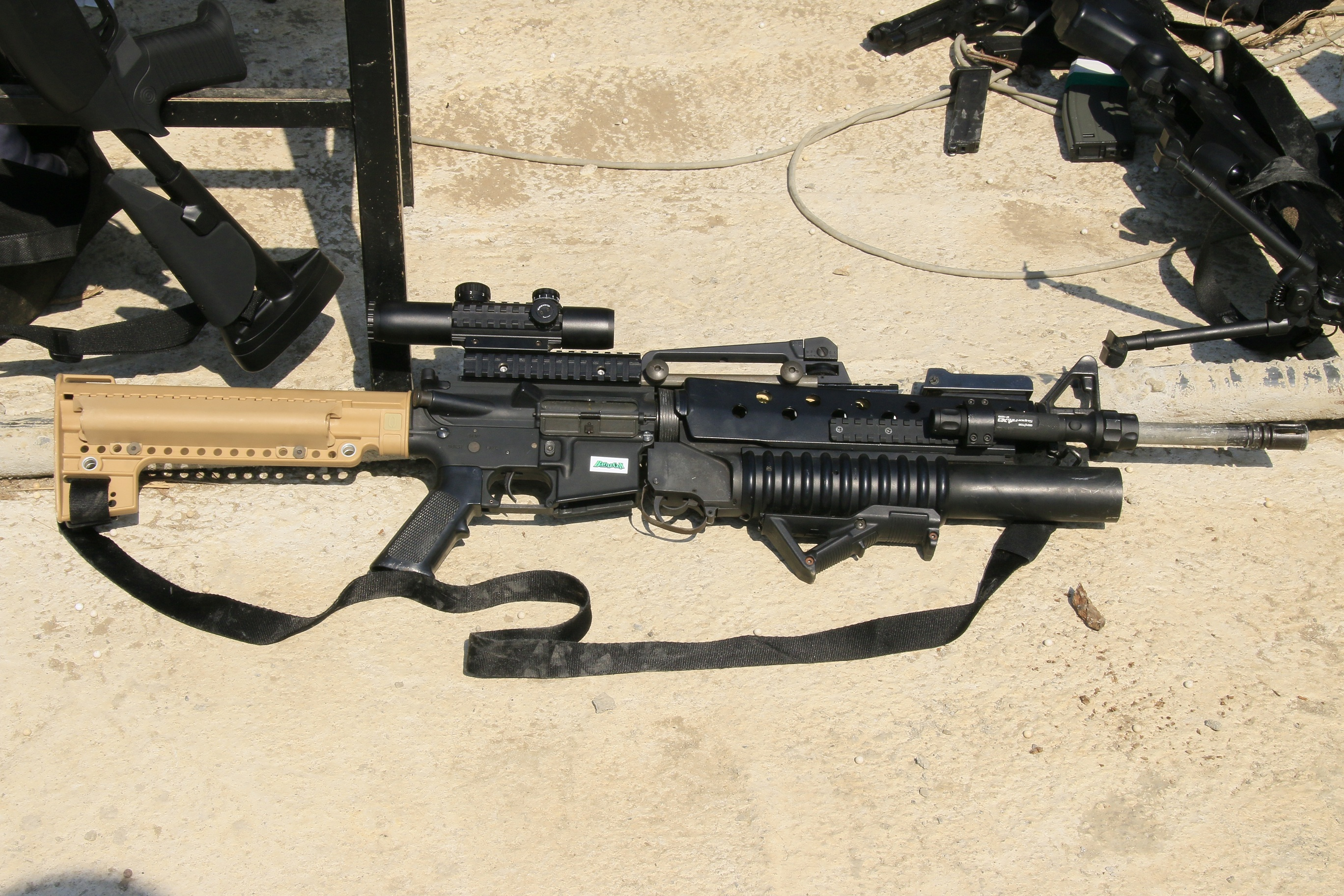 M16A4_M203