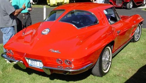 1963-Chevrolet-Corvette_C2_03