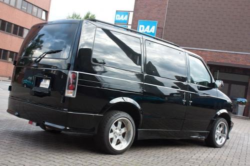 Chevrolet-Astro-Black_04
