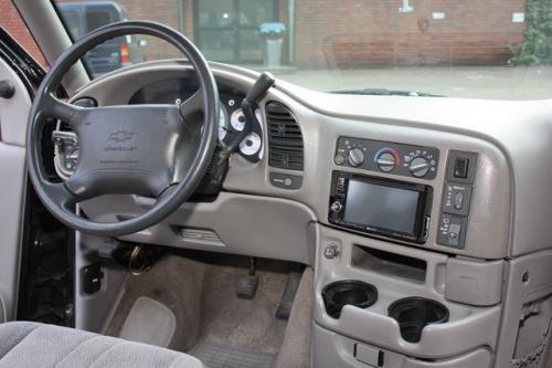 Chevrolet-Astro-Black_05