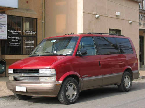 Chevrolet-Astro_02