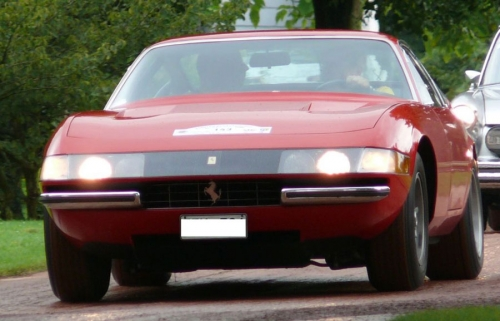 Ferrari-365-GTB4-early_01