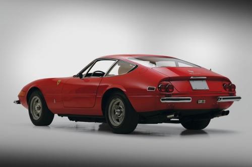 Ferrari-365-gtb-4-daytona_06