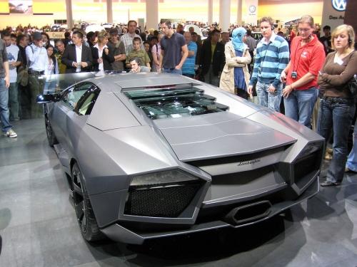 Lamborghini-Reventon-02