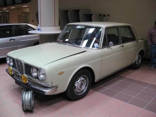 Lancia_Flavia-2000