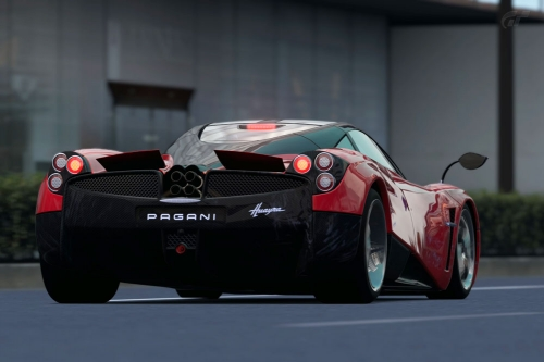 Pagani-Huayra-superlap_01