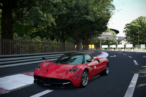 Pagani-Huayra-superlap_03