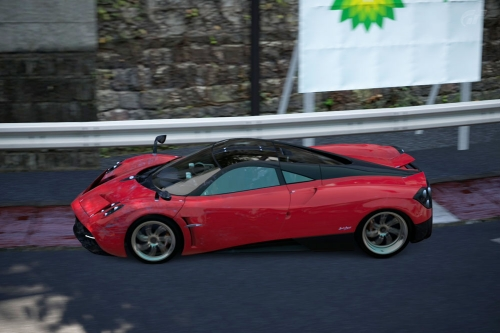 Pagani-Huayra-superlap_05