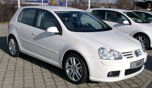 Volkswagen-Golf-V_01