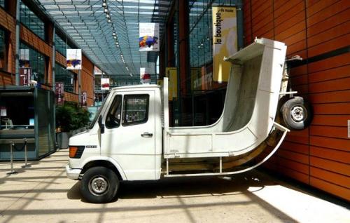 erwin-wurm-truck-2007