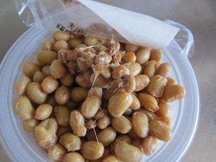 煮豆に納豆菌