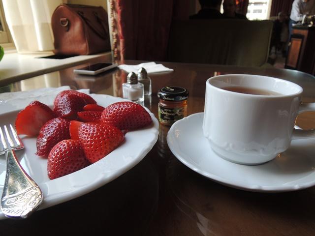 ラウンジ朝食8
