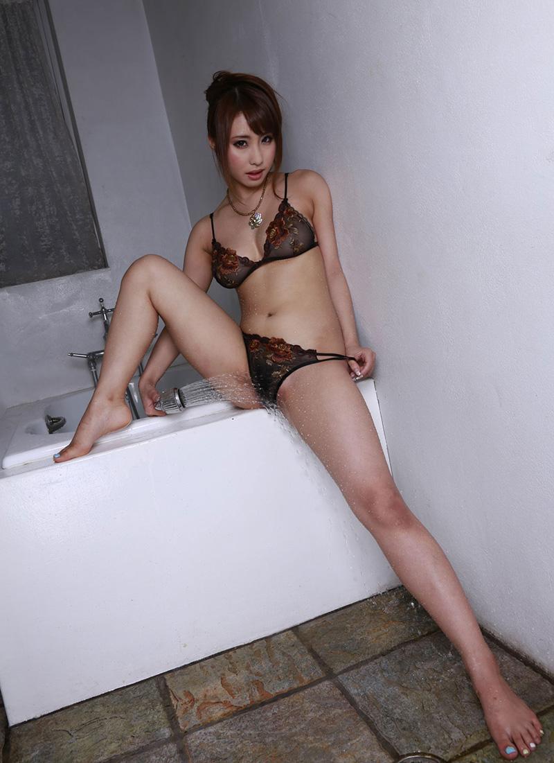あやみ旬果 | 綺麗なお姉さん。~AV女優のグラビア写真集~