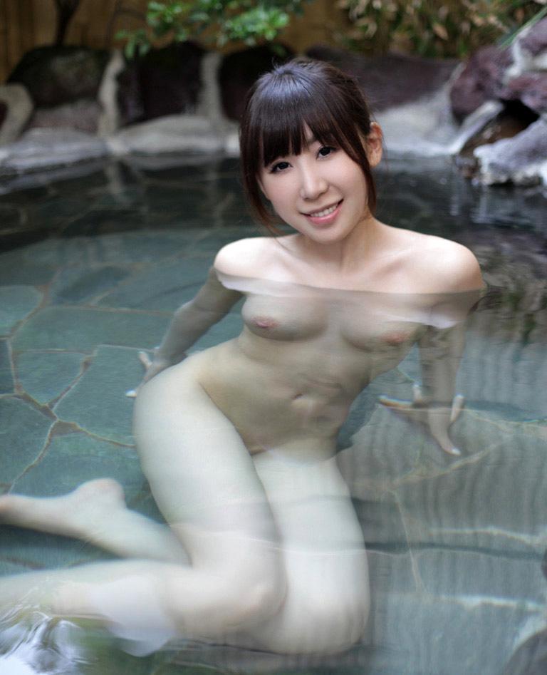 知花メイサのグラビア写真