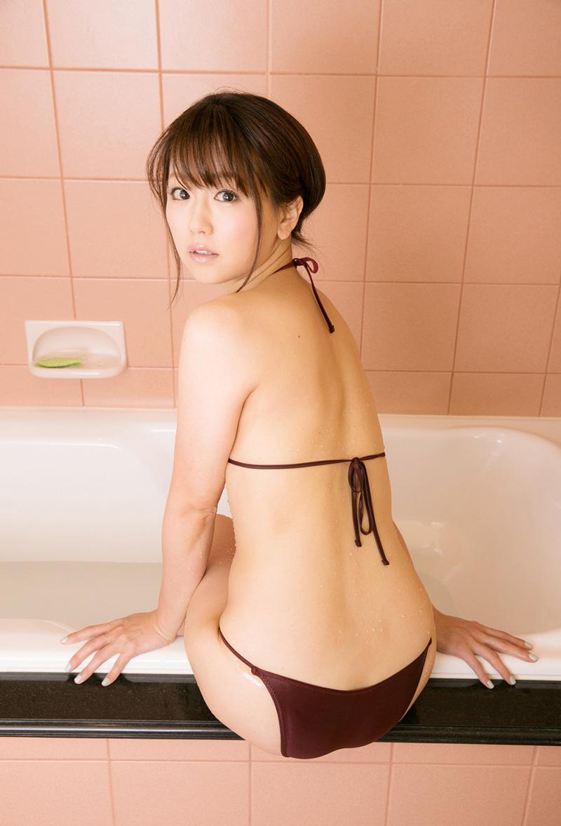 【No.15979】 濡れる / 二宮沙樹