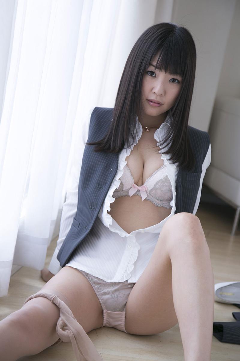 【No.16901】 谷間 / つぼみ