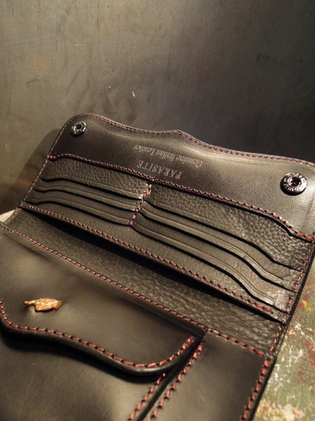 PARASITE PLAIN WALLET (3)