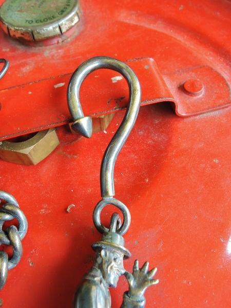 STORM BECKER Im Slowly Chain (2)