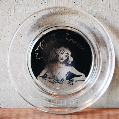 O.C CREW GLASS JAR ASHTRAY SET (5)