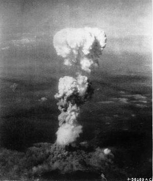 300px-Atomic_cloud_over_Hiroshima[1]