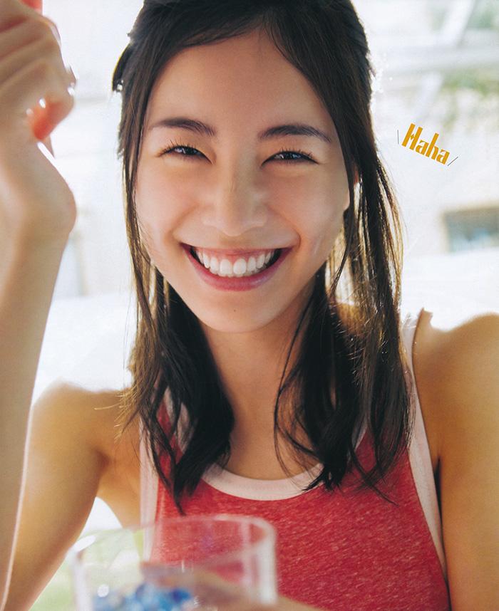 松井珠理奈 大人びた表情と弾ける笑顔 | えっちなお姉さん。