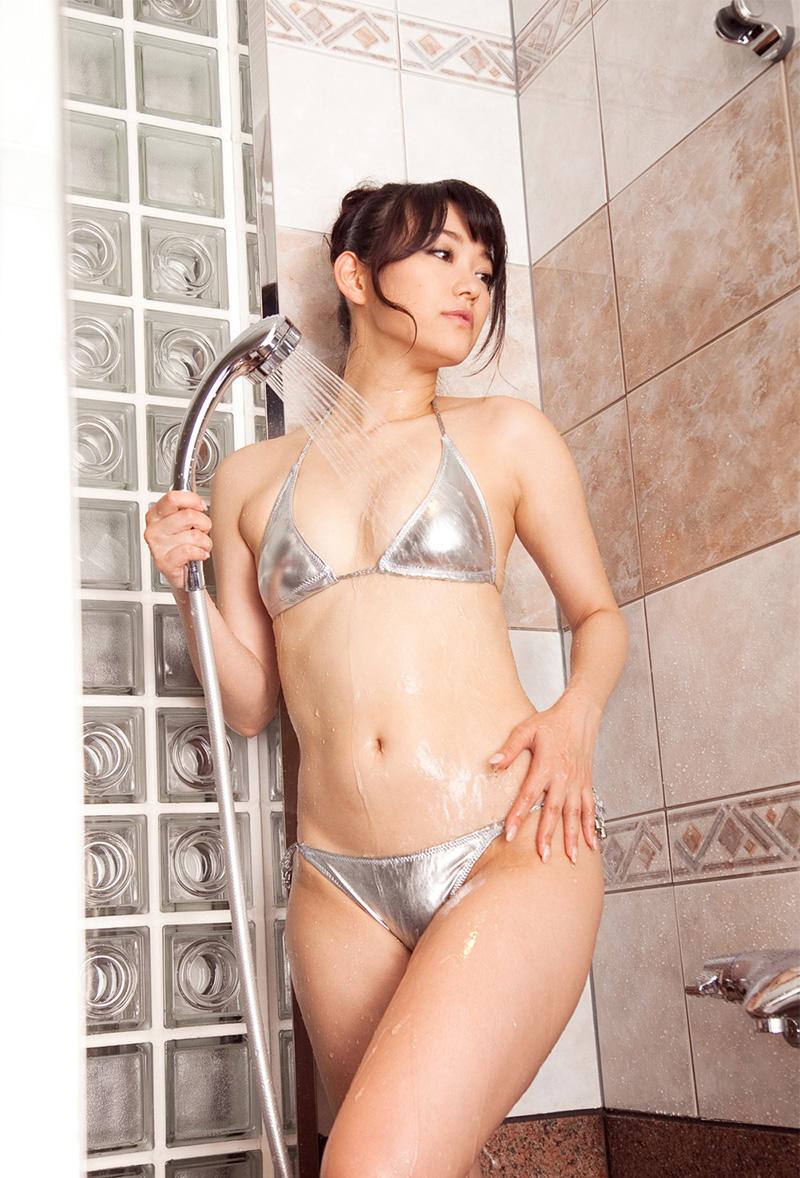 濡れるイイオンナ。シャワー中の綺麗なお姉さん | えっちなお姉さん。