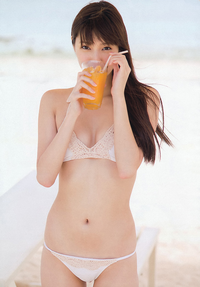 グラビアアイドルの可愛くてちょっと露出多めなエッチな水着グラビア | えっちなお姉さん。