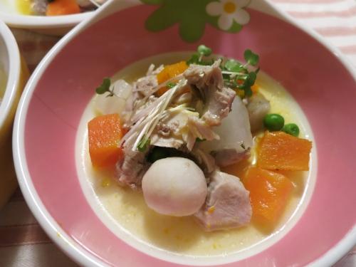 朝ご飯 米沢郷鶏の根菜煮