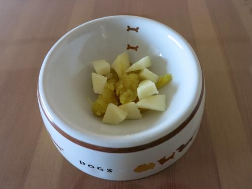 今日のおやつ サツマイモ りんご