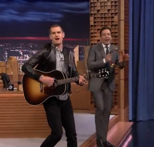 andrew-garfield-jimmy-fallon-050114-02.png