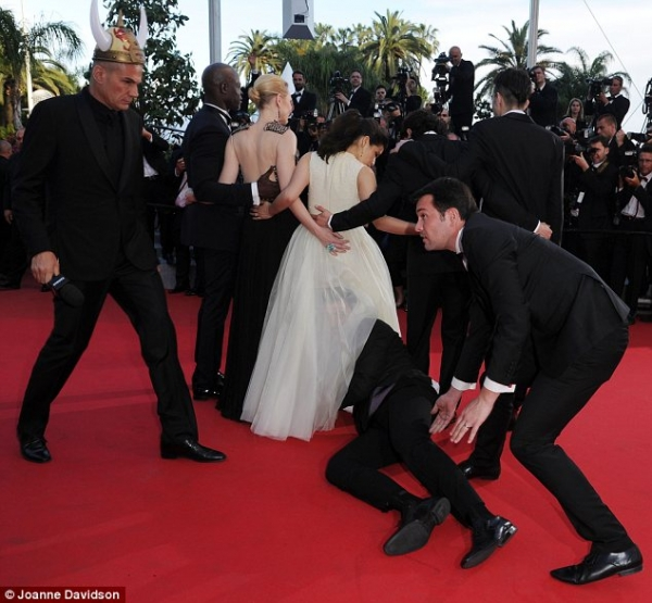 how-to-train-your-dragon2-cannes-01.jpg