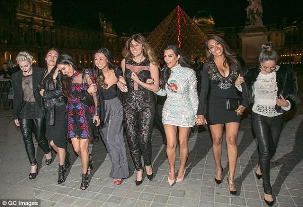 kim-kardashian-kanye-west-paris-02.jpg