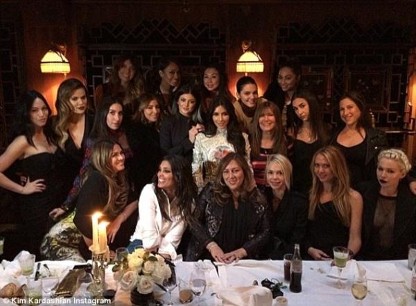 kim-kardashian-kanye-west-paris-03.jpg