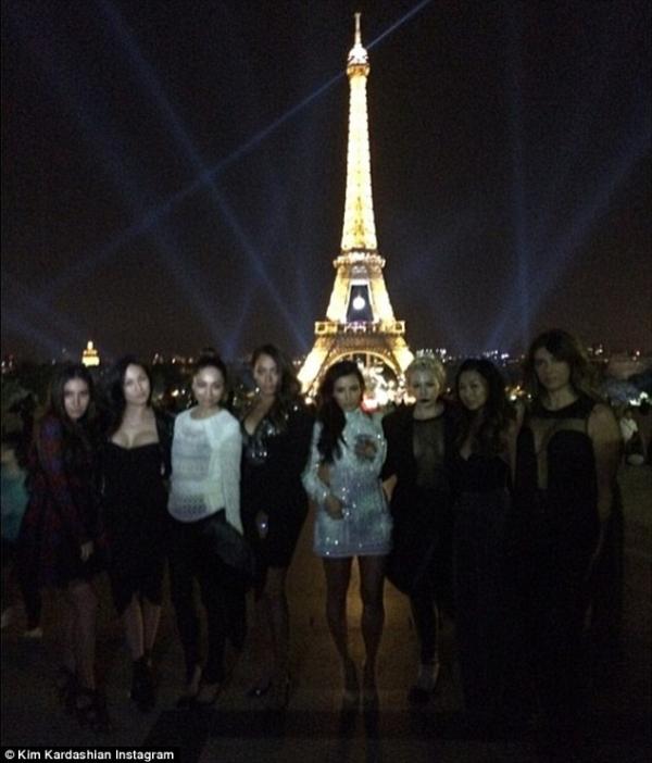 kim-kardashian-kanye-west-paris-04.jpg
