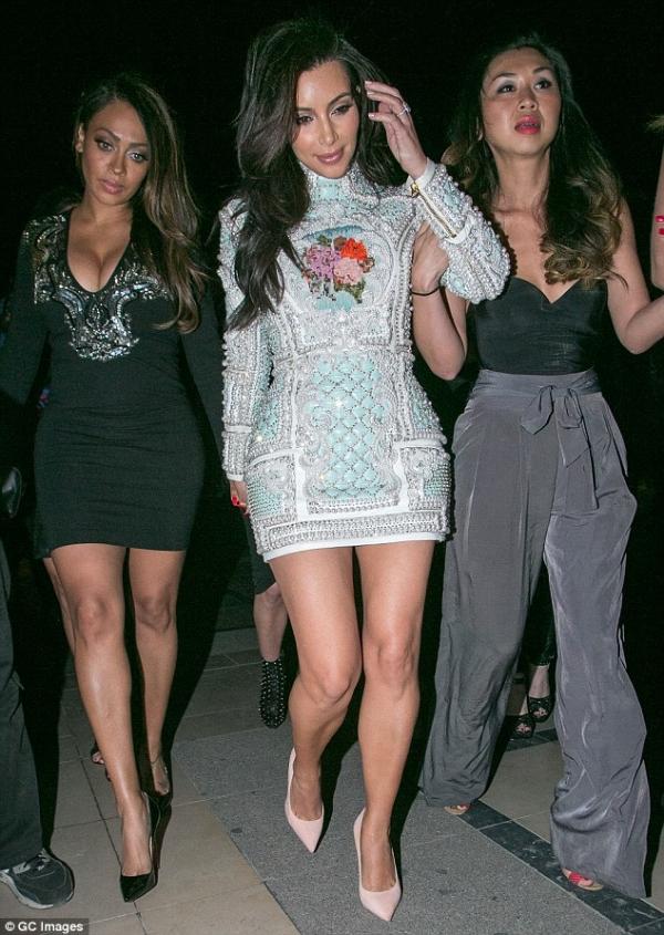 kim-kardashian-kanye-west-paris-05.jpg