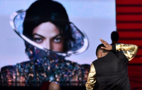 michael-jackson-new-song-gets-premiere-at-iheartradio-01.jpg