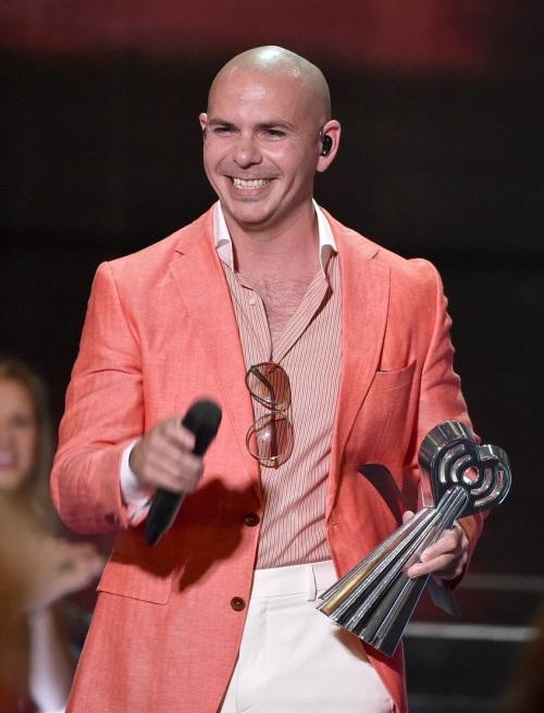 pitbull-grl-iheartradio-music-awards-2014-02.jpg