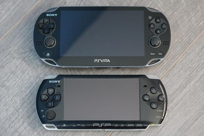 PS-Vita_vs_PSP3000.jpg