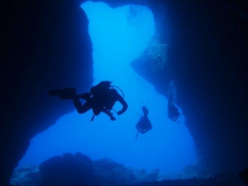 20120913中の島ホールシルエット