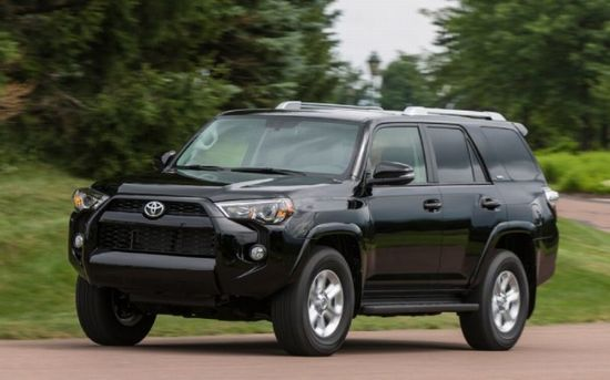 2014-Toyota-4runner-SR5-front-view-in-motion.jpg