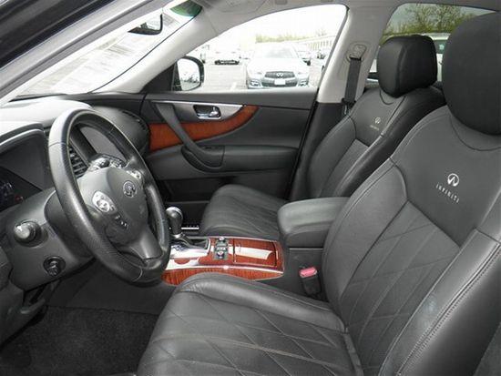 2010 FX35AWD_04