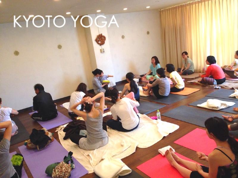 7月ヨウコ先生女性のため・男性のためのハタヨガ 京都ヨガ
