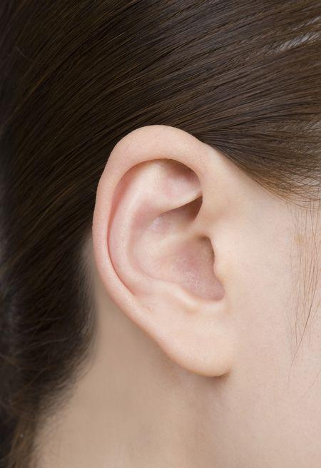 リオネット補聴器最小「極」斜め前画像